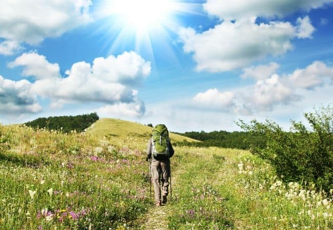 Backpacker that leaves no trace on mountain trail